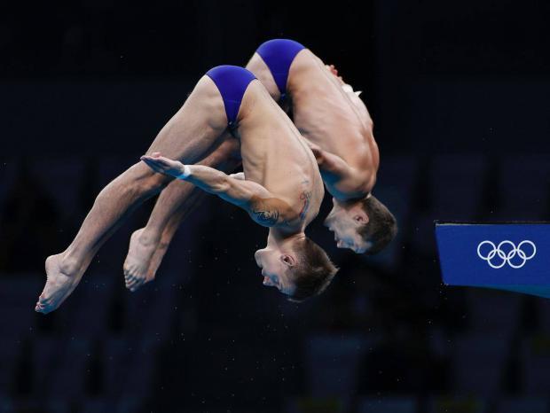 Российские прыгуны в воду Минибаев и Бондарь стали бронзовыми призерами Олимпиады