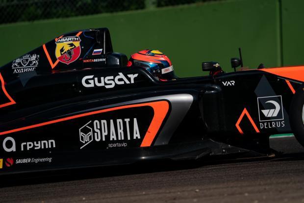 Итальянская «Формула-4»: три подиума россиянина Никиты Бедрина