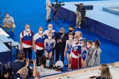 Посадили американок на попу. Россиянки выиграли командное многоборье в Токио