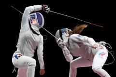 С рапирами на Олимп. Россиянки завоевали «золото» в командном турнире рапиристок