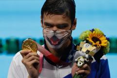 Бацарашкина и Рылов – двукратные, вторые в луке, гребле и шпаге, в теннисе будет золото  и серебро