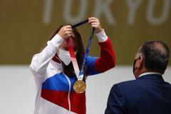 Бацарашкина не отстает от Рылова. Виталина выиграла второе золото