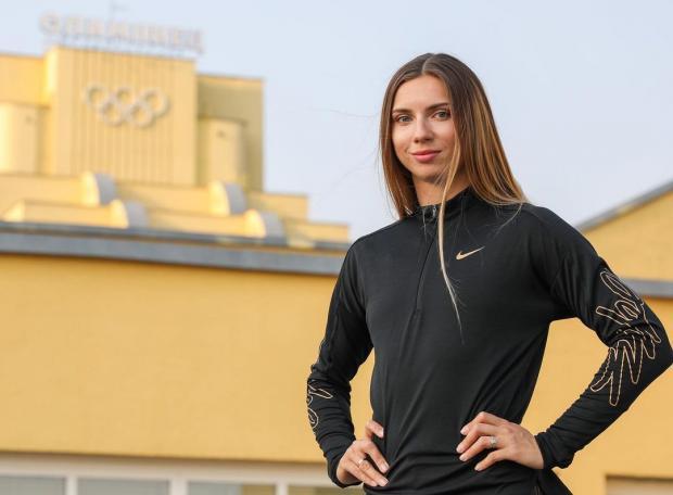 Белорусская легкоатлетка Тимановская выставила на аукцион серебряную медаль