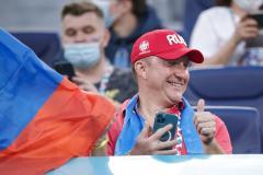 На стадионы вернут пиво, Месси не спешит в Париж, тренер «Тампы» повезет хоккейную сборную в Пекин