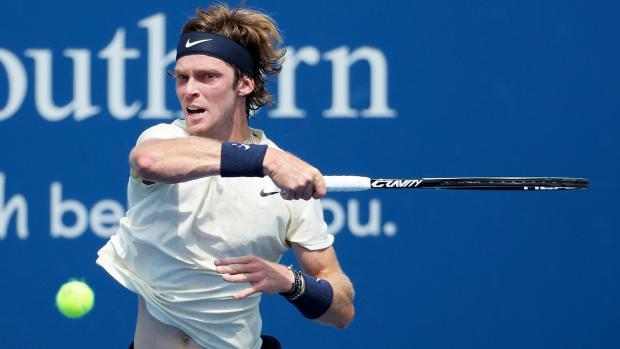 Рублев вышел в финал турнира в Цинциннати, впервые обыграв Медведева