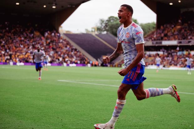 «Манчестер Юнайтед» победил «Вулверхэмптон», Варан отдал голевой пас в дебютном матче
