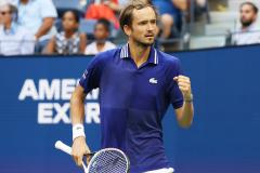 Медведев в финале US Open, Путин против отмены лимита, а Жириновский против пива на стадионах