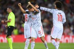 Семак не встал на колени в Лондоне, Роналду забил и проиграл, «Бавария» снова разбила «Барселону»