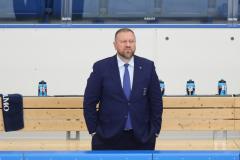 В командировку! В плацкарте! «Амур» пытается уволить главного тренера Воробьева