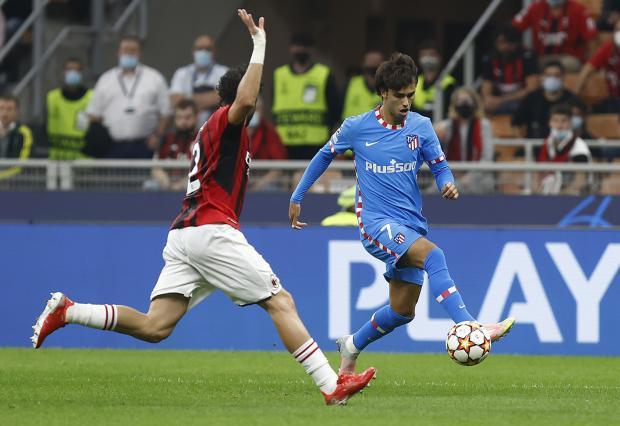 Голы Гризманна и Суареса принесли «Атлетико» волевую победу над «Миланом» в Лиге чемпионов