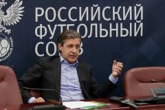 Прядкина «сдали» за телеконтракт, Николич уволен из «Локо», УЕФА нарисовала Крым украинским