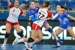 Обновленная женская сборная России на глазах Черчесова обыграла Швейцарию в отборе на Евро