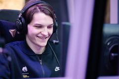 Team Spirit обыграла Invictus Gaming и вышла в финал нижней сетки The International 10