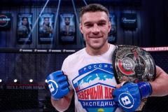 Немков защитил титул, а Эмеева откровенно обокрали. Обзор лучших моментов турниров UFC и Bellator