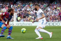 Будничный Эль Класико без Месси и Роналду. Алаба принес «Реалу» победу над «Барселоной»