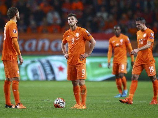 Проклятье бронзы. Что будет со сборной Голландии после непопадания на Евро-2016