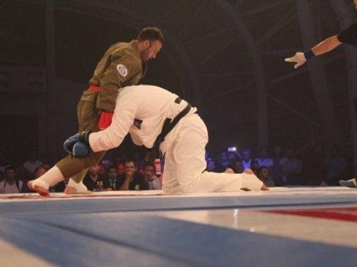 Мурзаканов подтвердил звание абсолютного чемпиона мира Профлиги H2HFight