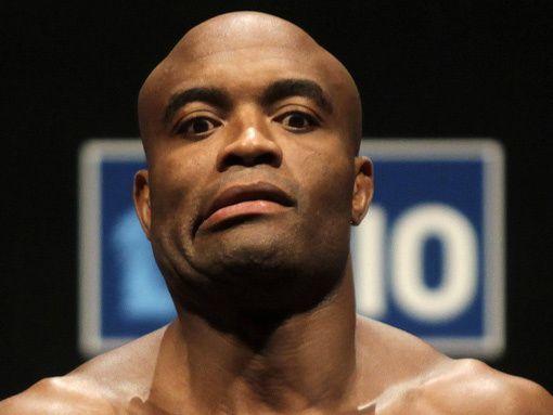 В рейтинге бойцов ММА вне зависимости от весовой категории нет ни одного  тяжеловеса