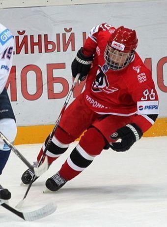 Малыш изрода великанов. Защитник «Авто» Андрей Великанов–  самый маленький игрок вМХЛ