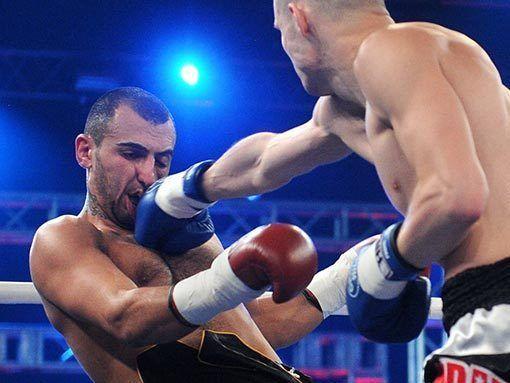 Суржко одержал победу в первом турнире W5 Fighter