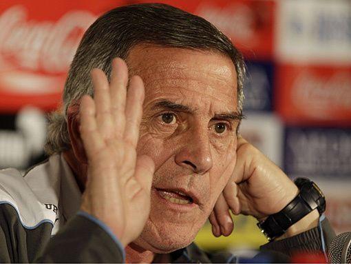 Оскар Табарес останется главным тренером сборной Уругвая еще четыре года