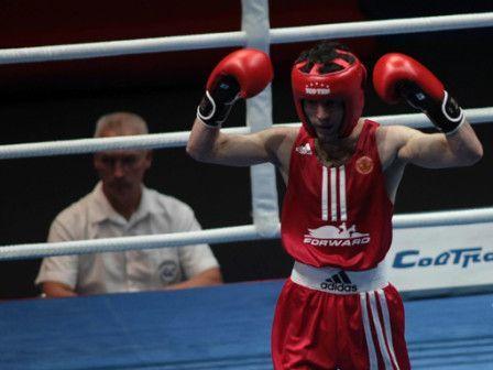 Россиянин Миша Алоян стал двукратным чемпионом мира по боксу