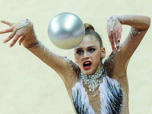 «Саша несколько лет жила у меня … в машине». Тренер Анна Шумилова – о новой звезде гимнастики Александре Солдатовой