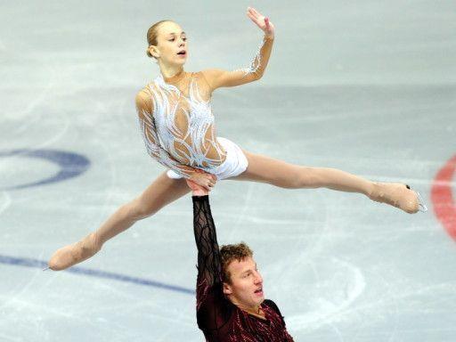 «Я не самоубийца, чтобы вернуться к этому тренеру и этому партнеру».  Юлия Антипова - о том, что привело ее к анорексии