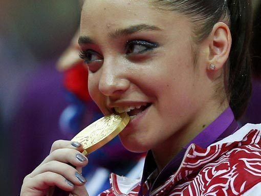 Лондон-2012. Мустафина принесла России первое золото по спортивной гимнастике за 12 лет