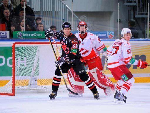 Два чеха встретились в Сибири… Яромир Ягр и Доминик Гашек впервые сыграли друг против друга в России