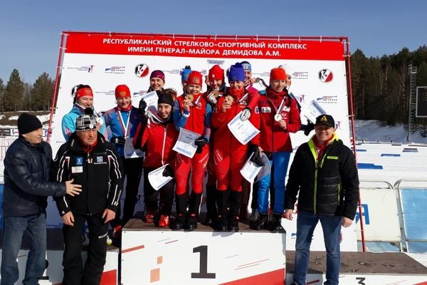 Евсюнина – первая в суперспринте, новосибирская женская сборная – вторая в командной гонке