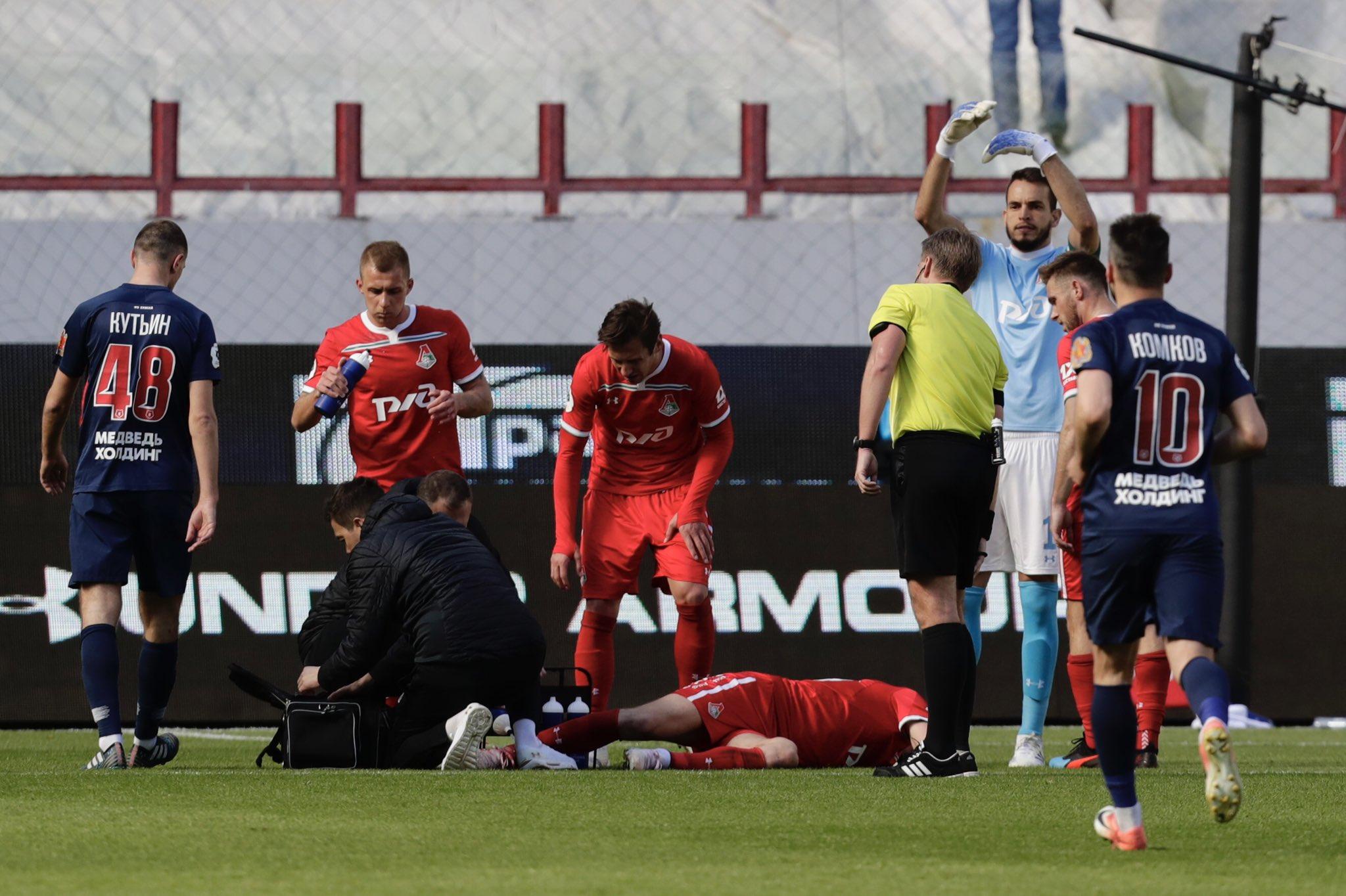 Азмун догнал Чалова, травма Игнатьева и утка на поле. Хит-парад российского футбольного уик-энда