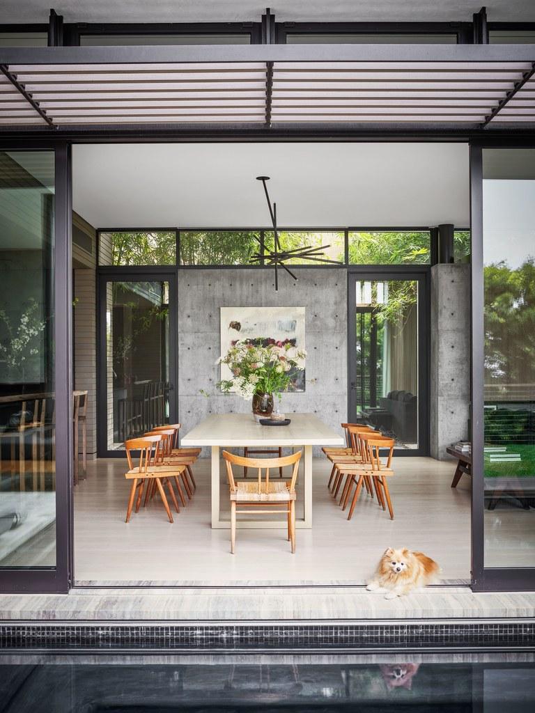 «Вместо стола – старая японская дверь». Экскурсия по шикарному дому Шараповой
