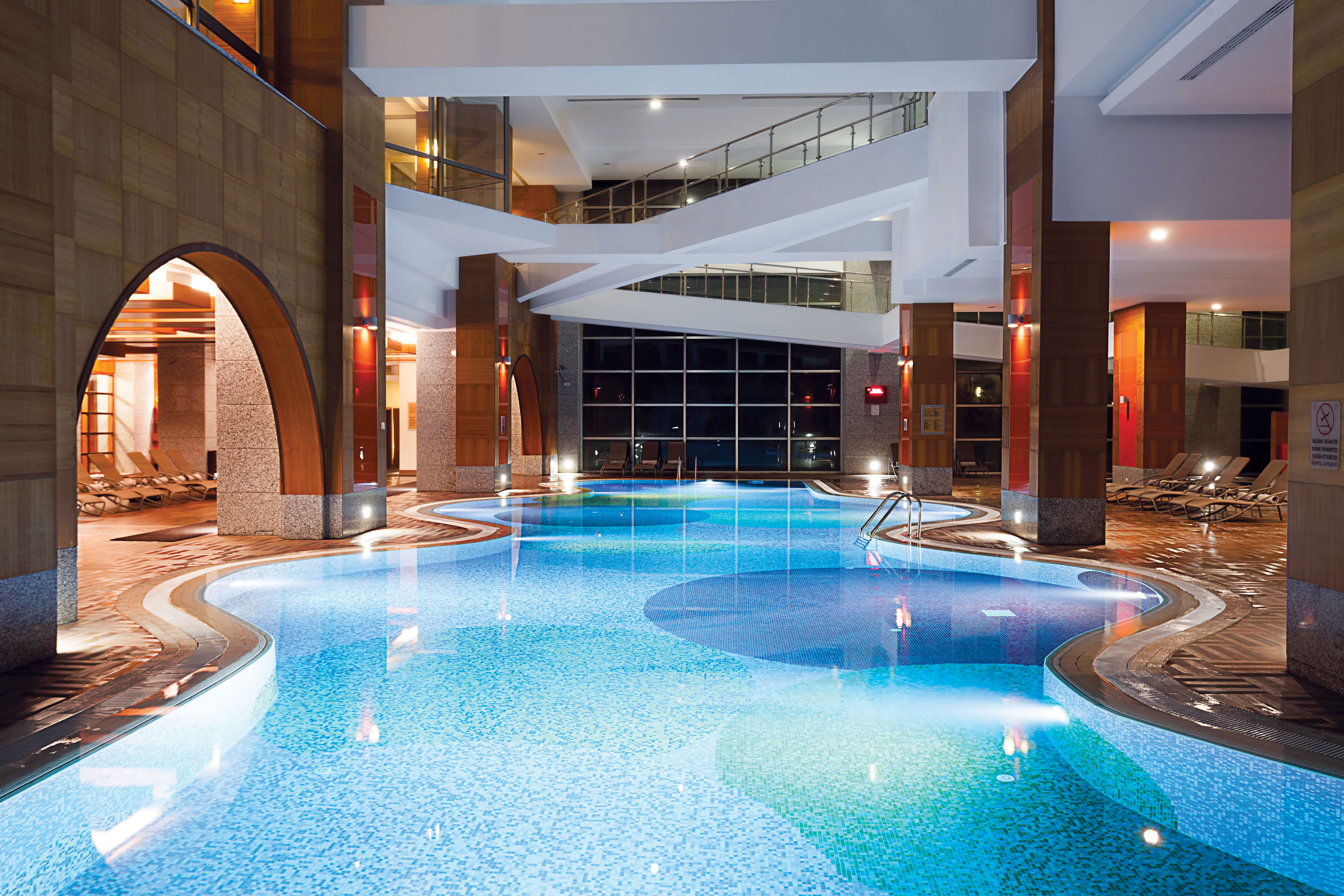 Rh_Sungate_Indoor_Pool
