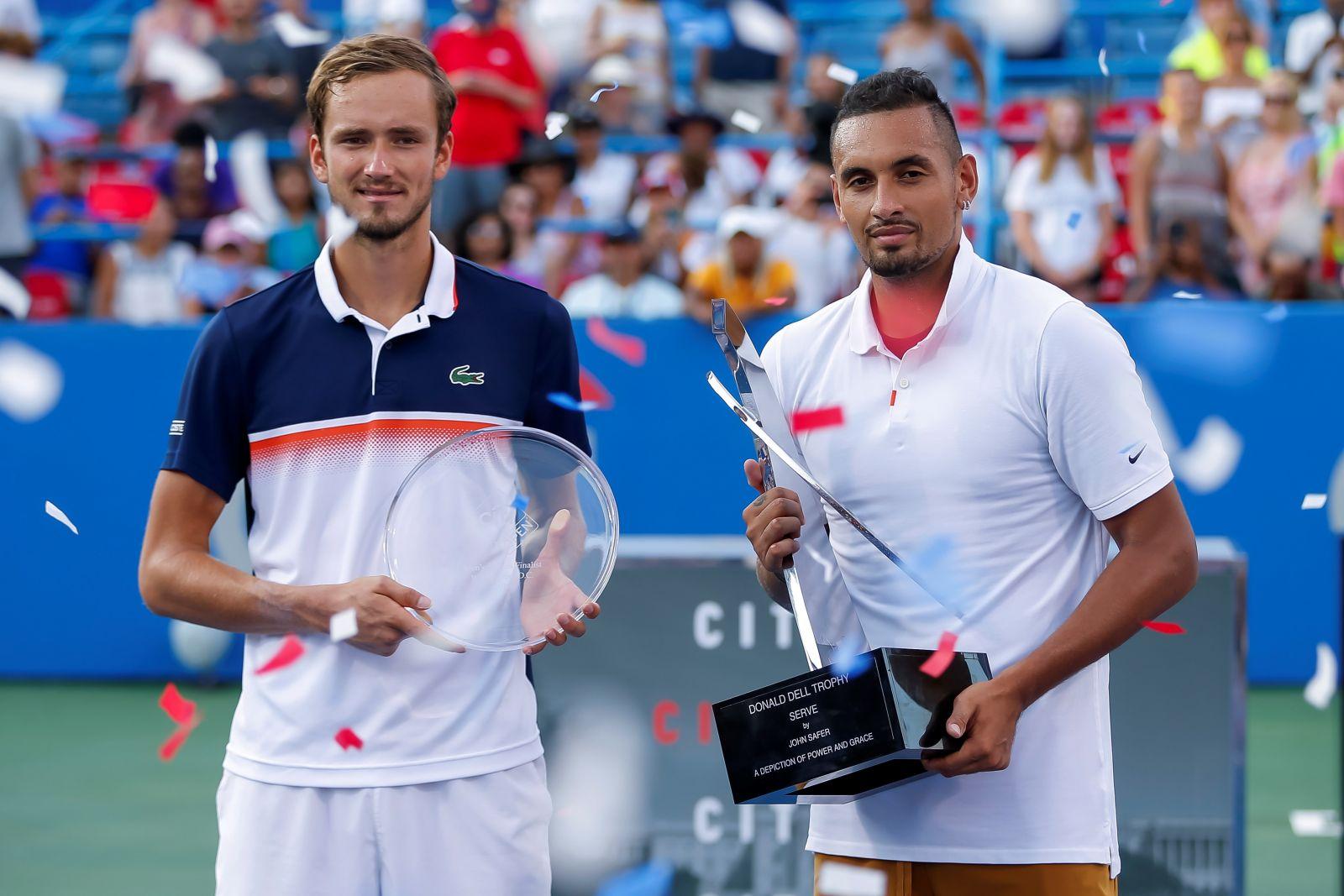 Медведев рвется на Итоговый турнир. Россиянин сыграл шестой финал за два года