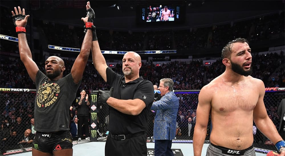 Шевченко избила американку, Джонса освистала публика. Что было на турнире UFC 247 (видео)