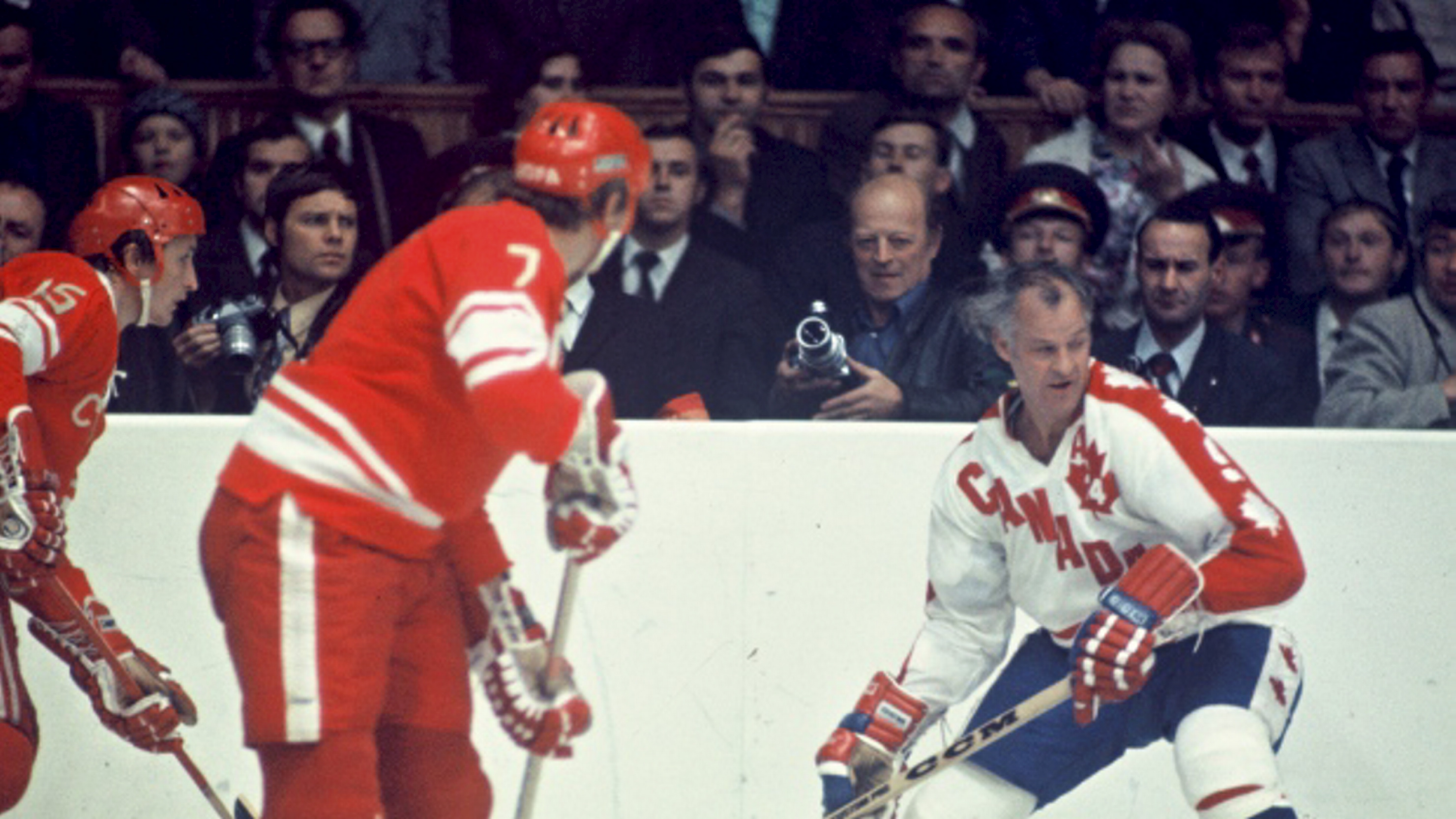 gordie-howe-in-the-1974-summit-series