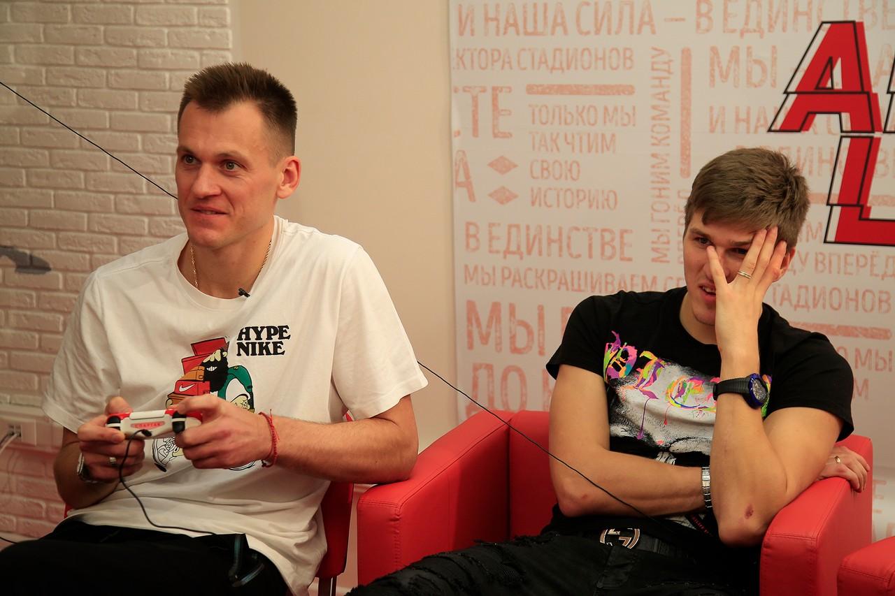 Соболев оформил хет-трик в ворота «Марселя», Ребров проиграл Ковалевски