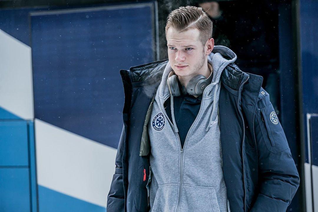 «Почти все детство я никому не был нужен». Голкипер «Сибири» – о пути в КХЛ