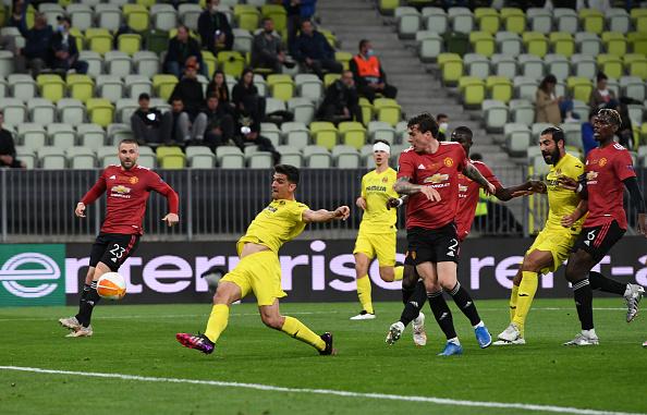 «Вильярреал» выиграл  Лигу Европы, победив «Манчестер Юнайтед» в серии пенальти