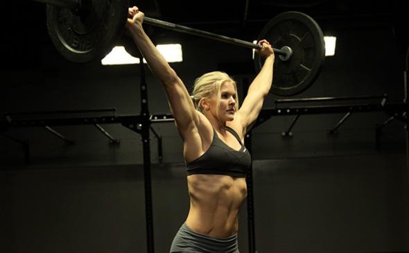 Зачем тяжелоатлетам тренировать грудь?