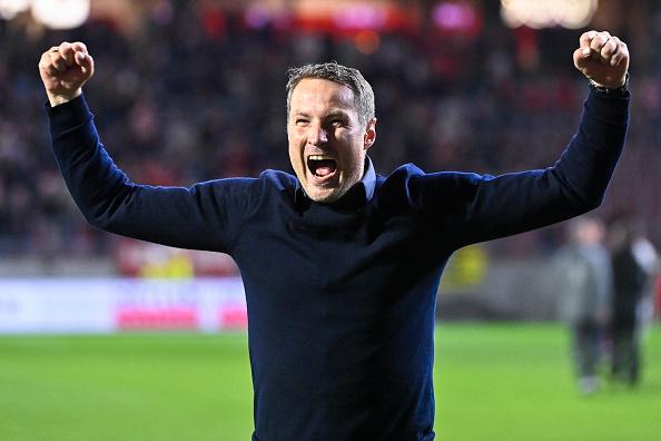 Проспорил. Тренер «Антверпена» пришел на пресс-конференцию без одежды