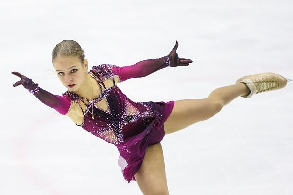 Трусова стала первой фигуристкой, исполнившей пять четверных прыжков в программе (видео)